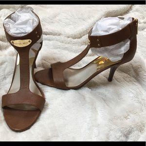 •Michael Kors Camel/Saddle Brown T-Strap Heels•